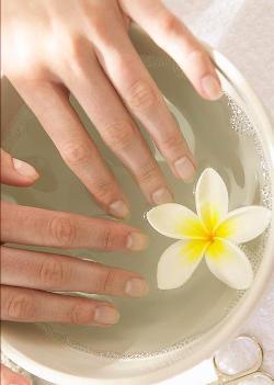 Расслоение и ломкость ногтей. Средства для укрепления ногтей в домашних условиях