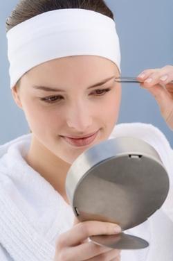 Удаление волос пинцетом