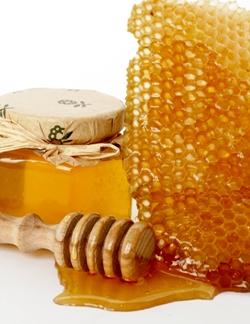 Антицеллюлитный массаж медом. Массаж с медом для похудения